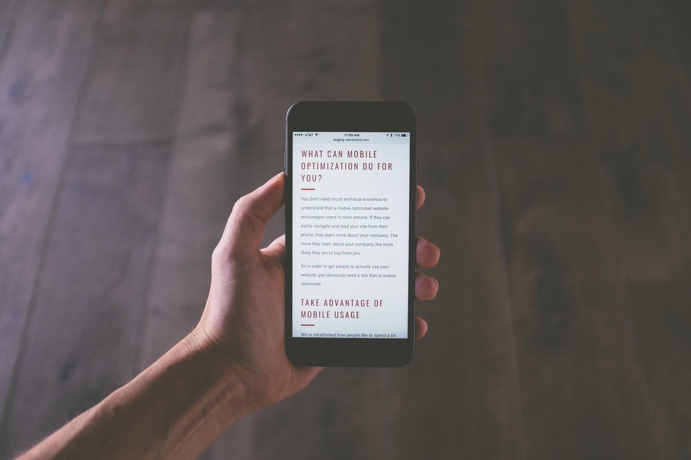 Плюсы и минусы мобильной версии сайта